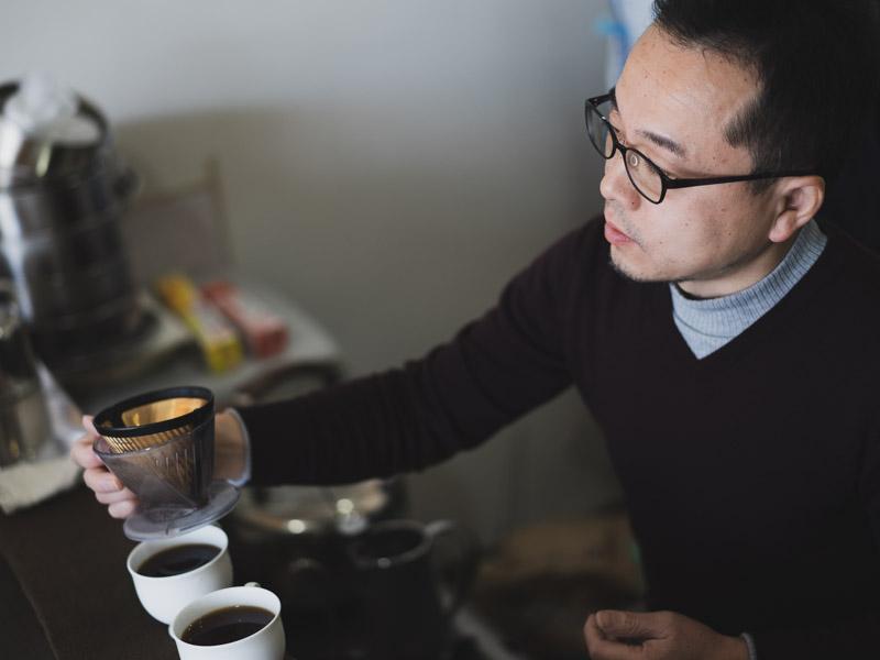 スペシャルティコーヒー専門店香茶屋の店主