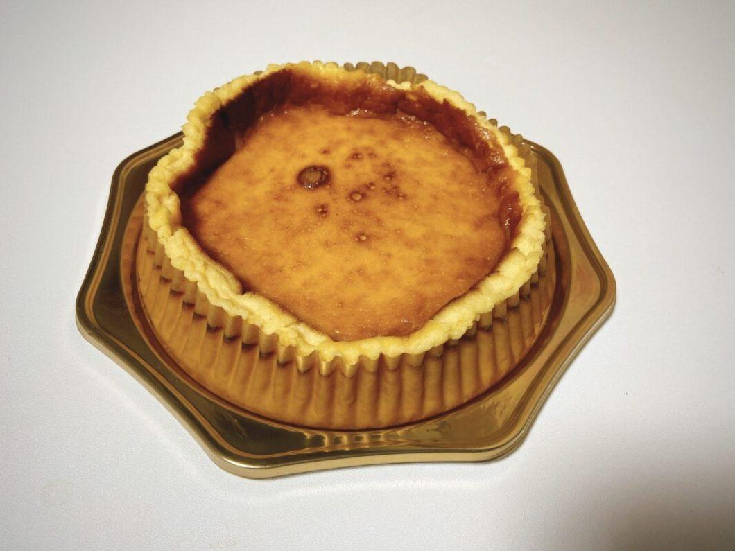 モンターニュの浜松バスクチーズケーキのホールサイズ