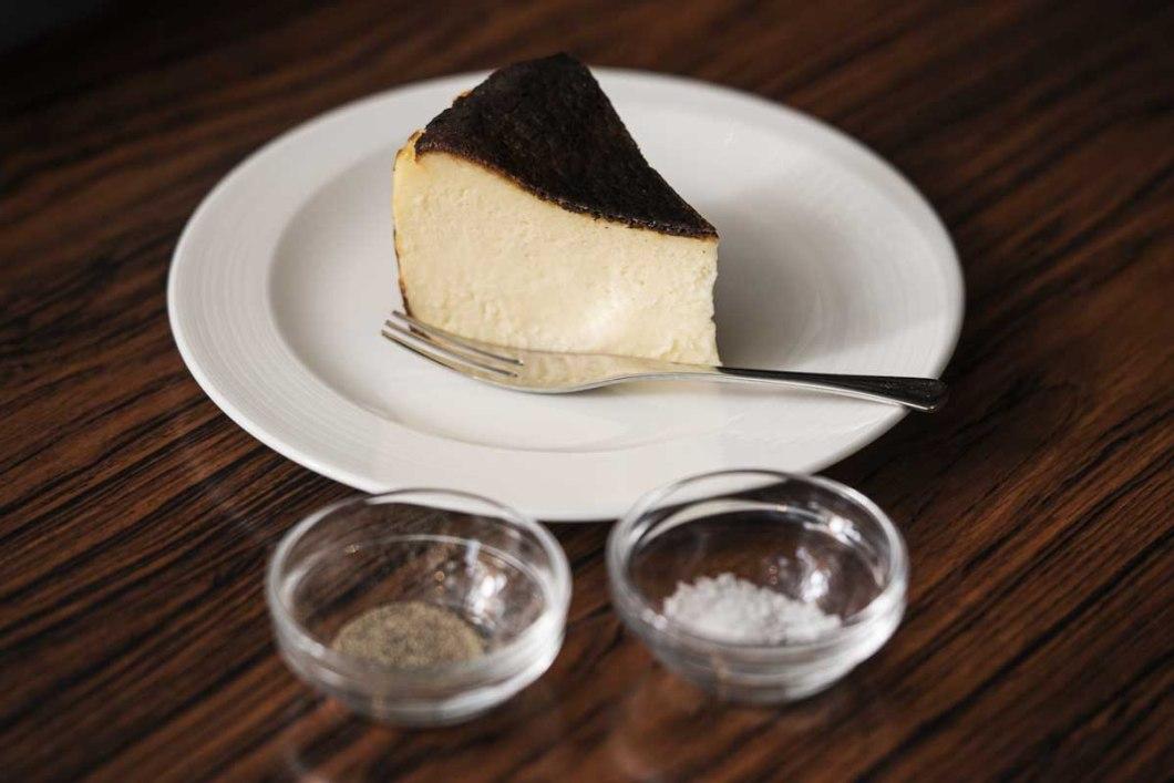 トゥルネラパージュのバスクチーズケーキ