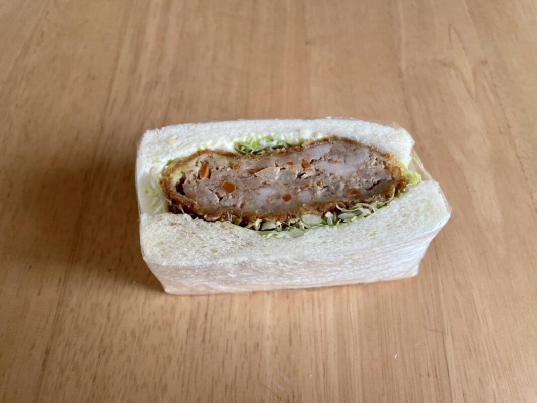 サンドイッチ畑のメンチカツサンド