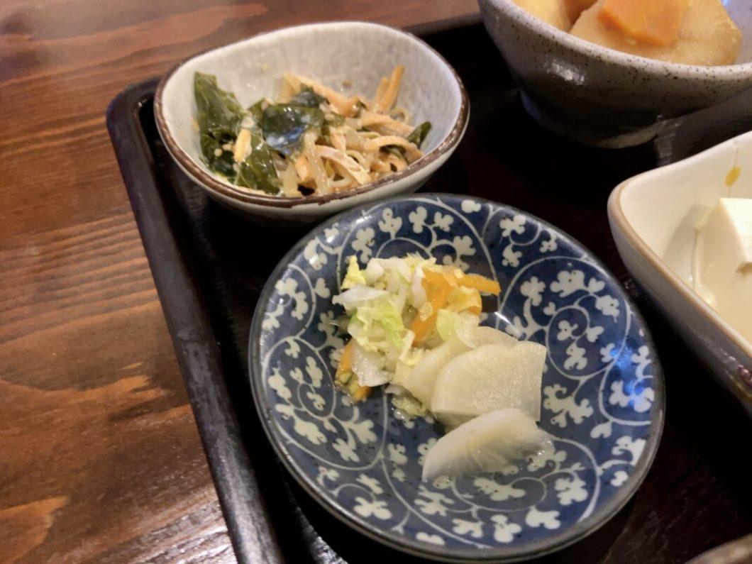 トロロ汁屋くまちゃん_サイドの料理