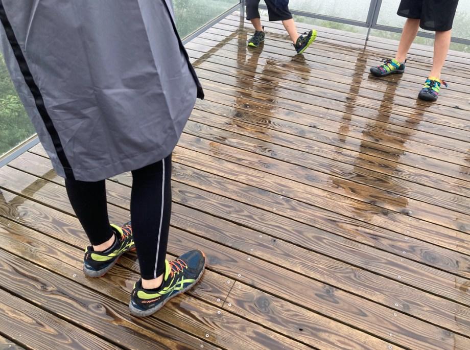 雨の日とGORE-TEXとサンダル(水に強い靴たち)
