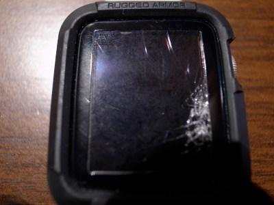 Apple Watchの画面が割れた?どうやら保護フィルムのおかげで助かったかな?