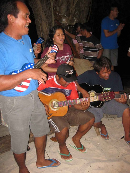 Bangka Band playing