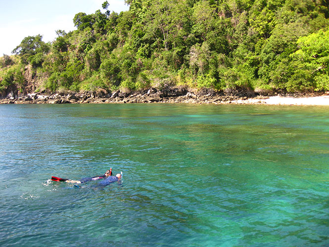 Snorkling-Pantai-Kecil-Bangka-Indonesia