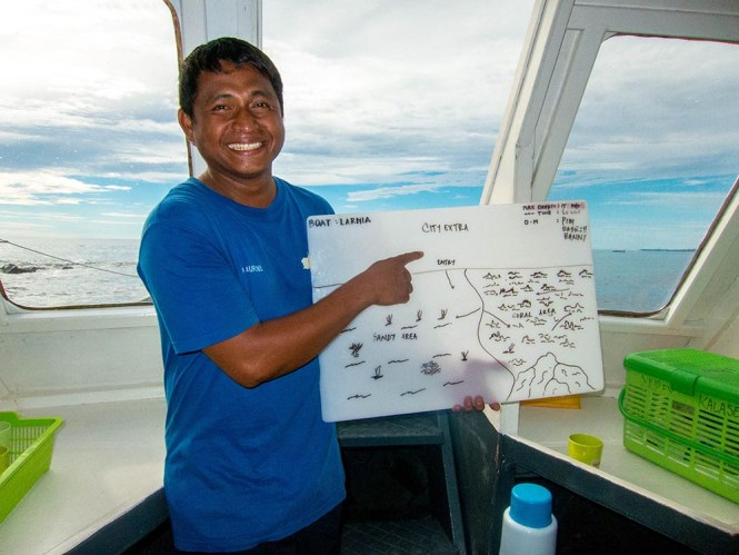 Dive guide briefing Murex