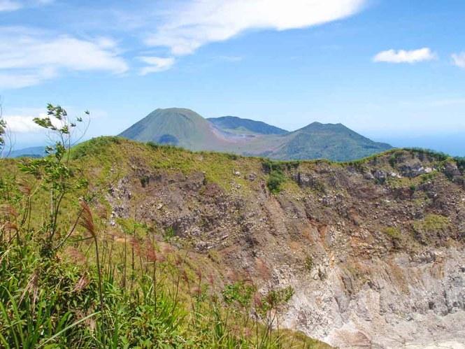 Mahawu Lokon volcano view