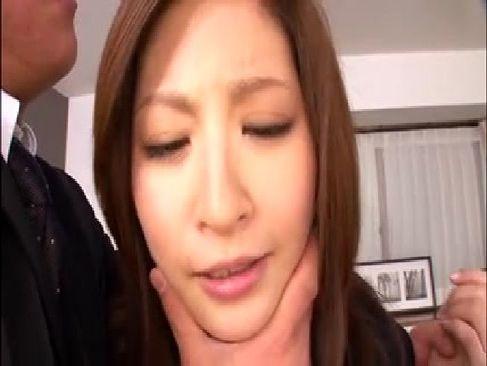 過去のレイプ動画で脅され美乳美人妻がおまんこを犯されてる無理矢理脱がされ無