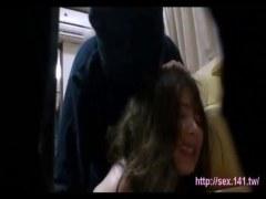 侵入してきた覆面男達に暴力で屈服させられ犯される美人妻のれイプ 動画 38.5度