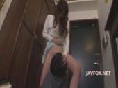 隣人を押し倒しておまんこを強制クンニさせる淫乱美人妻の逆れイプ 動画 38.5度無料