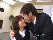 美人なolお姉さんをオフィスで無理矢理犯しているryoujokudouga