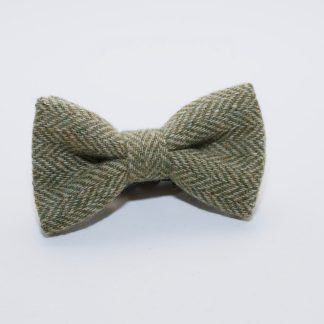 Donegal Tweed Bow Apple Oatmeal