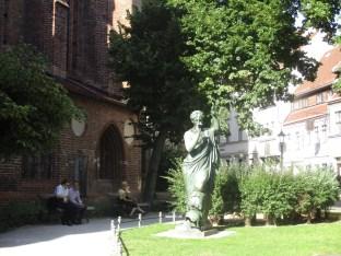 Große Bronzestatue