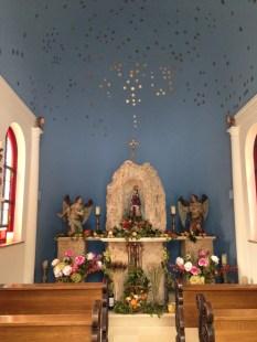 Altarraum mit Sternenhimmel