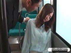 バスで眠った美人OLがレイプされてしまうエックスびで 日本人