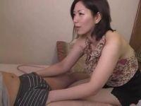 【おばさん】おばさんになっても熟年夫婦の夜の生活がしたい50代熟女妻が甥の体に目を付けるセックス動画無料