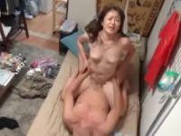 【おばさん】おばさんレンタルで来た上品な奥様がおめこをぐっしょり濡らして激しく悶えるおばさんの盗撮動画
