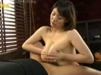 【おばさん】垂れ乳の爆乳な人妻が母乳を出しながらパイズリしていくおばさんの動画