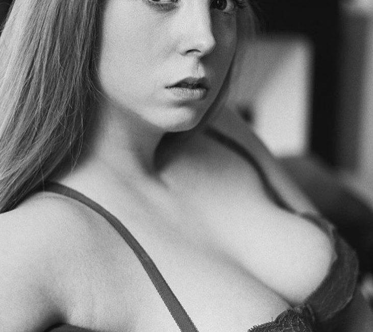 Jane Wllz by JulienLRVR