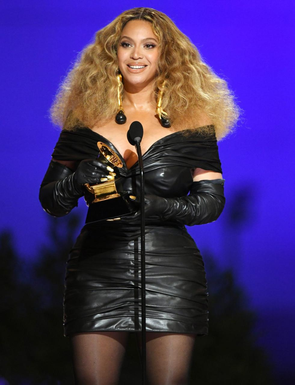 Beyonc? makes history with 28th Grammy win, becomes the most-decorated female artist of all time