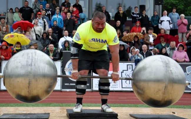 Strongman Deadlift