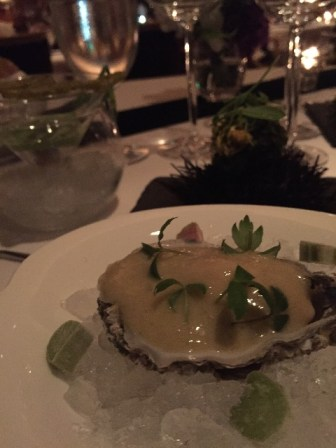ジラルドー生牡蠣とキャビア、レモンとセロリ