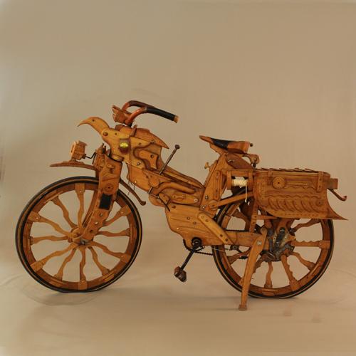 vélo, cycle, singulier, bois, musée, mas d'azil, ariège, affabuloscope, collection, visite, découverte, famille, passion, art, visitez, machines, sculptures, librairie, village, détente