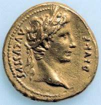 Musei Capitolini, Ritratto di Augusto. Dritto di un aureo coniato da Augusto nella zecca di Lione