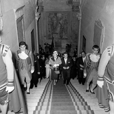 #MuseumWeek #MuseumMemories Grace Kelly e Ranieri di Monaco in visita ai #MuseiCapitolini nel 1959 @museiincomune