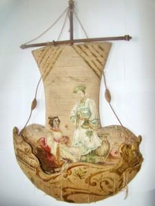 Guardacartas en forma de velero.