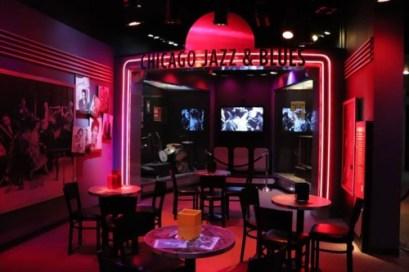 シカゴはジャズやブルースが有名。ジャズクラブ風空間で紹介