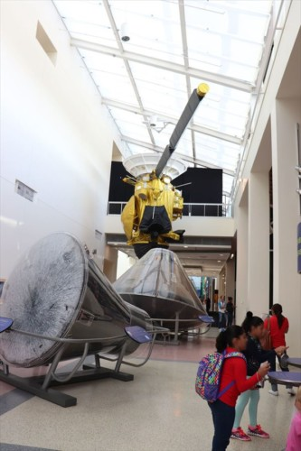 アポロなど宇宙開発に関する展示が充実しています