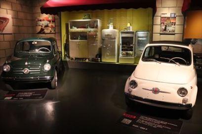 フィアット 500はイタリアの人々の暮らしをかえたのでしょうね。