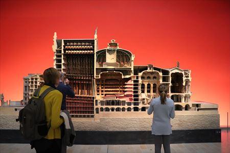 オペラ座(だと思います)のカット模型
