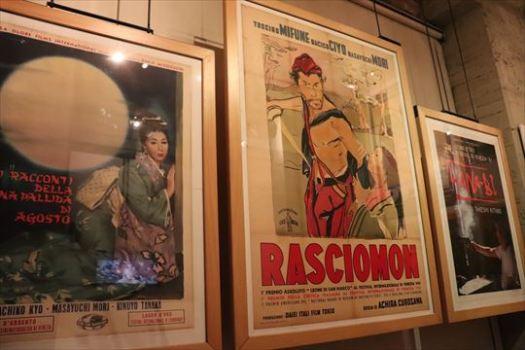 日本映画のポスターも展示されています