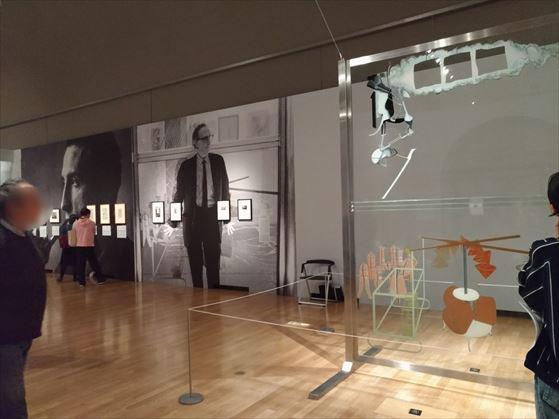 右側の作品が「大ガラス( 彼女の独身者たちによって裸にされた花嫁、さえも)」
