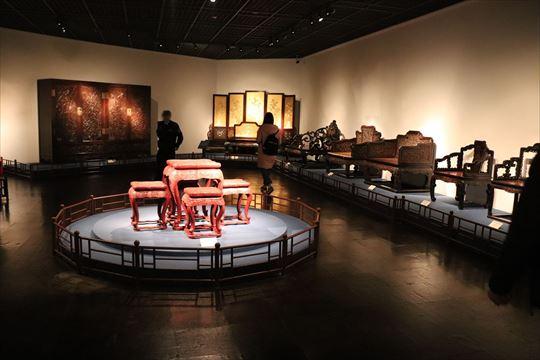家具。細工の巧みさはすごいと思います