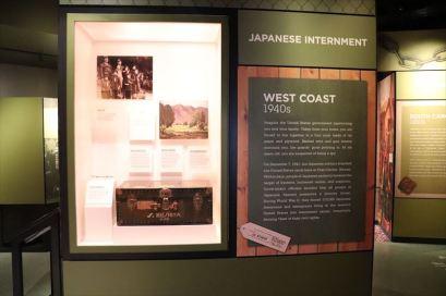 日系人の強制収容に関する展示コーナー