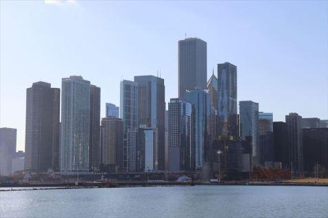 高層ビルが建ち並ぶシカゴ中心部