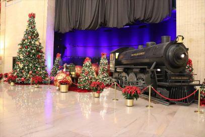 ホールにはこのような展示も。クリスマス仕様