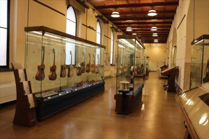 楽器の展示室