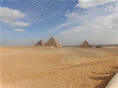 pyramids04_R