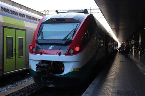 ローマ・テルミニ駅と空港を結ぶレオナルド・エクスプレス