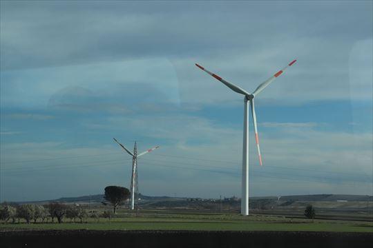 発電用の風車はいろいろなところで見ました。日本以上に設置されているのではないでしょうか