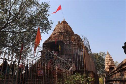 こちらは信仰が生きている寺院です