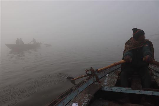 朝霧が濃く良く見えません
