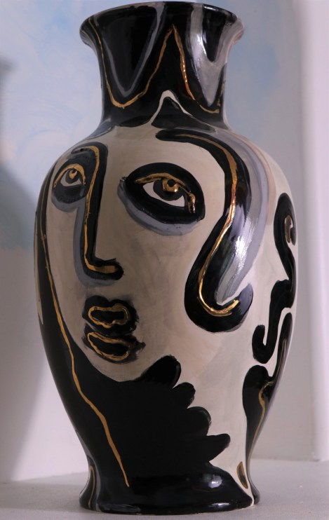 FACES OF EVE VASE 1 SIDE 2