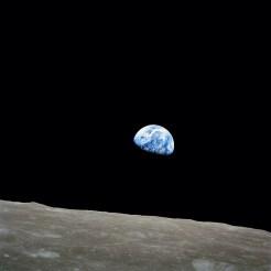 Earthrise, 1968 (wikipedia.org)