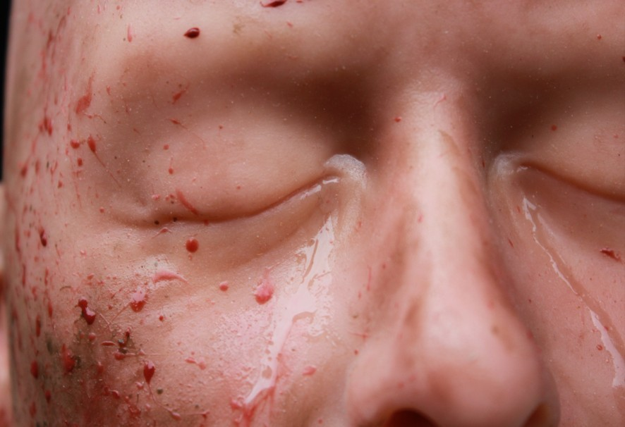 Silicone display head with blood, snot and tears
