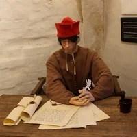 SPES Medieval Market | Lifelike mannequin in medieval clothing